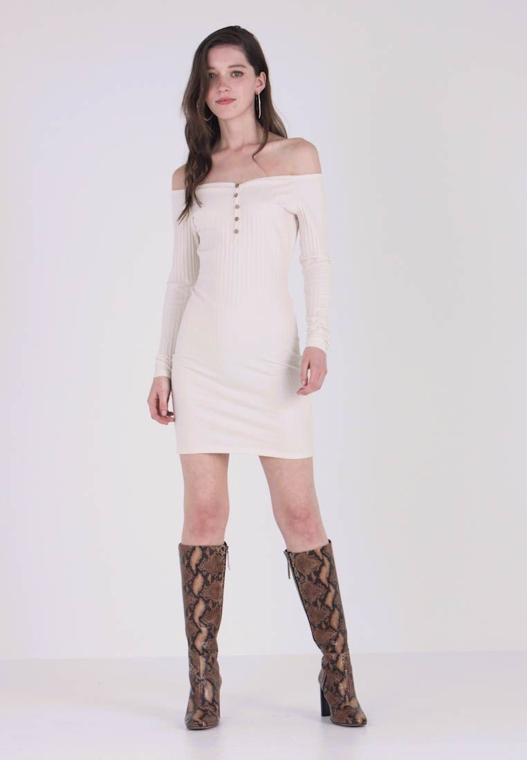 Nly by Nelly - SWEETHEART DRESS - Etuikleid - offwhite