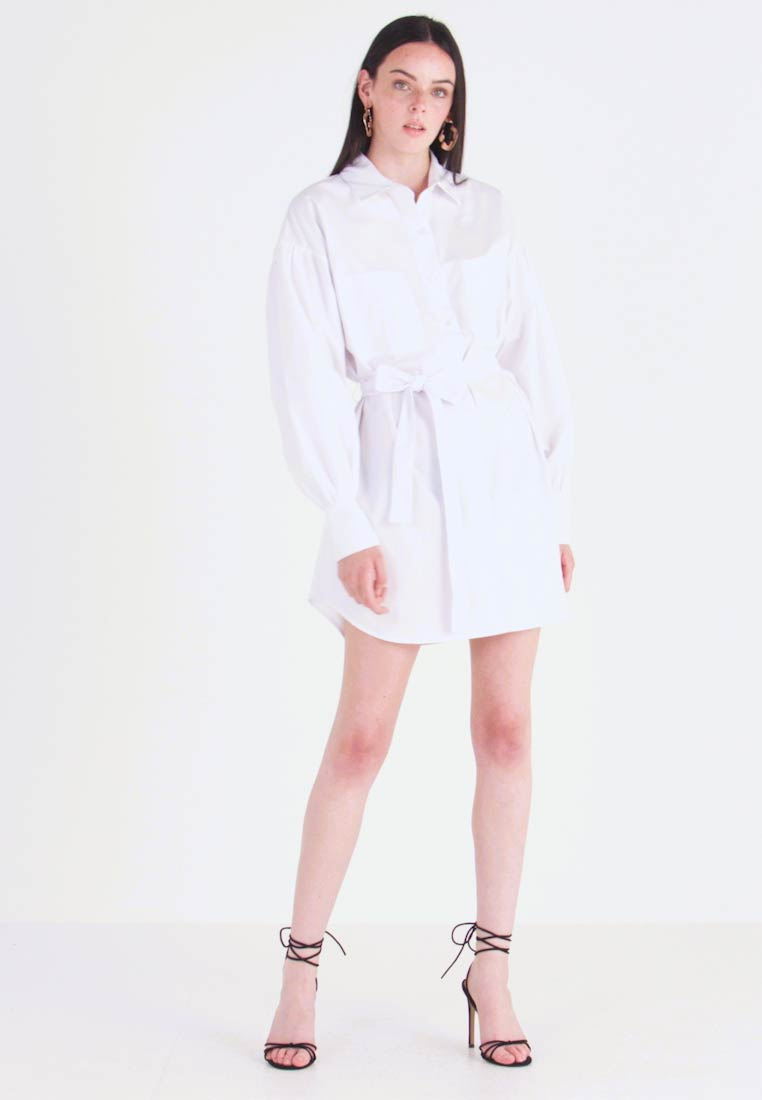 Nly by Nelly - FEMME OVERSIZE SHIRT DRESS - Blusenkleid - white