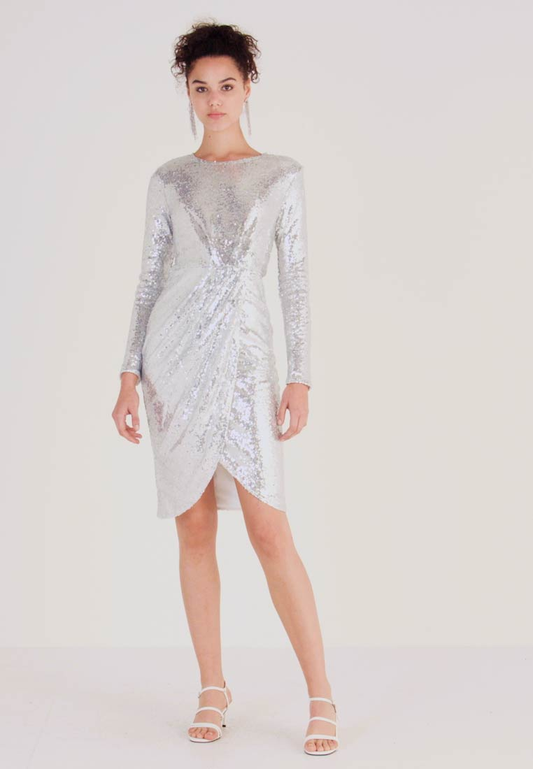 Nly by Nelly - PADDED SEQUIN DRESS - Juhlamekko - silver