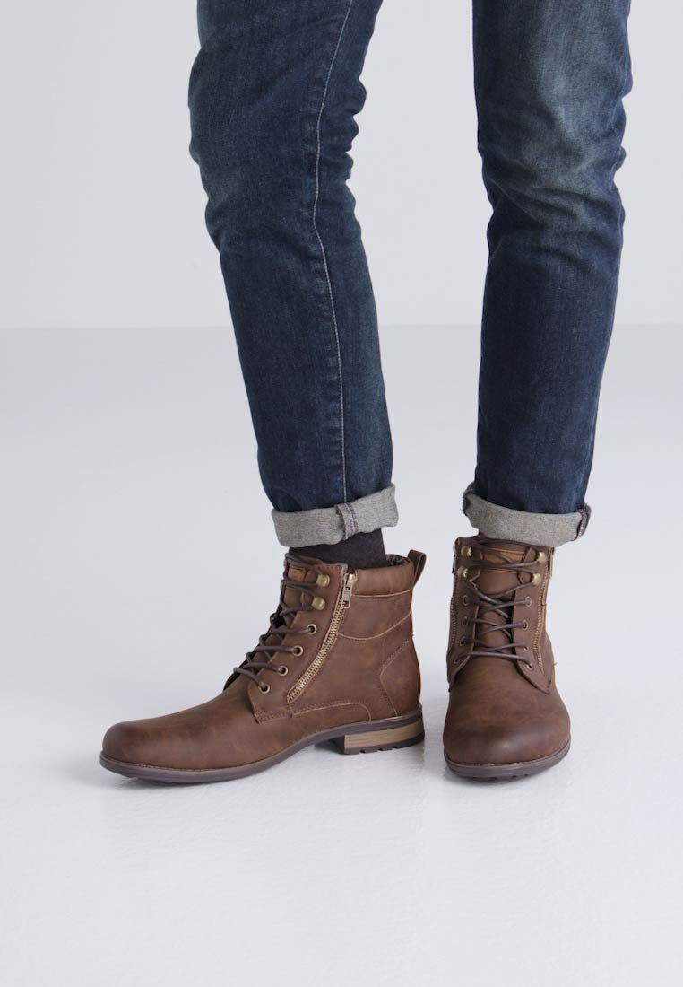 New Look DOUBLE ZIP MILITARY BOOT - Botines con cordones brown