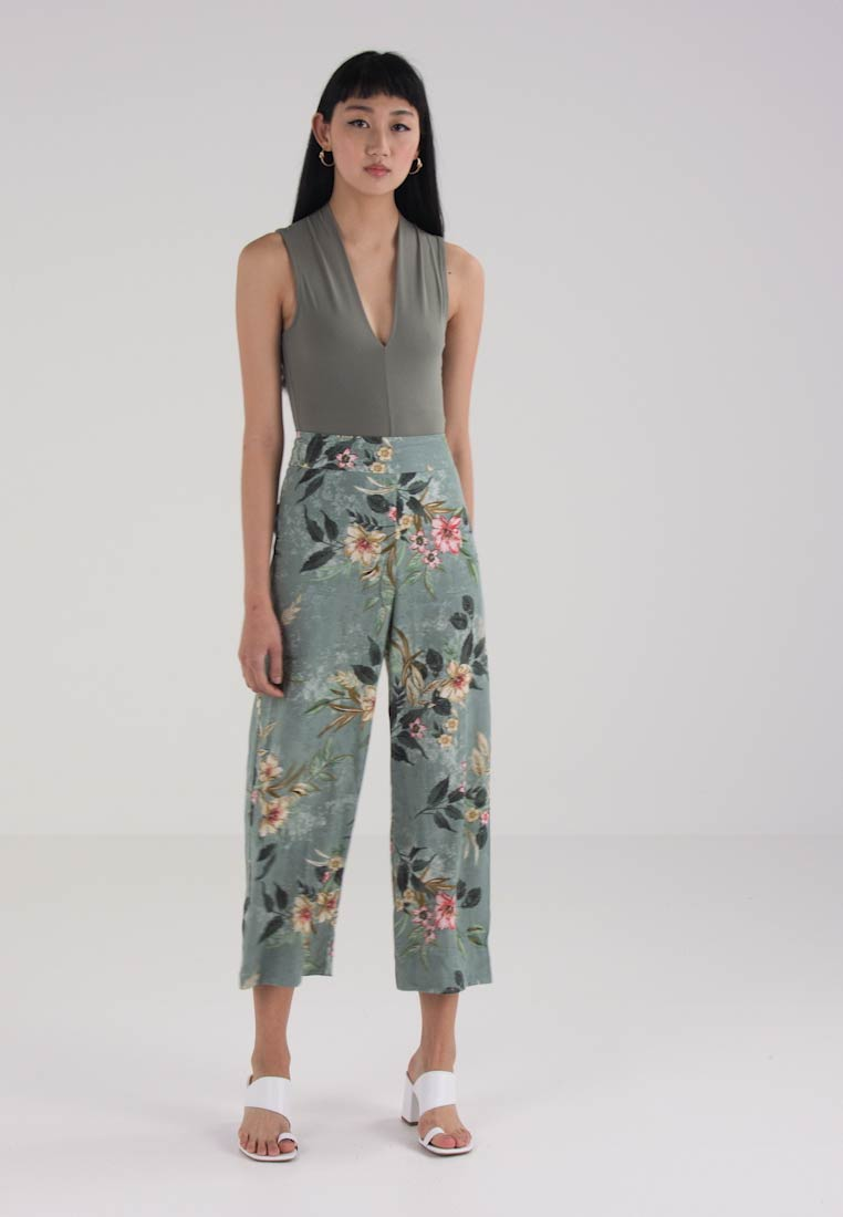 Melina Green Trousers Leg Floral Look New Wide Crop 5ZwxBzg