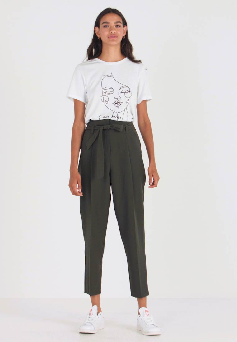 New Look - MILLER TIE WAIST TROUSER - Stoffhose - green