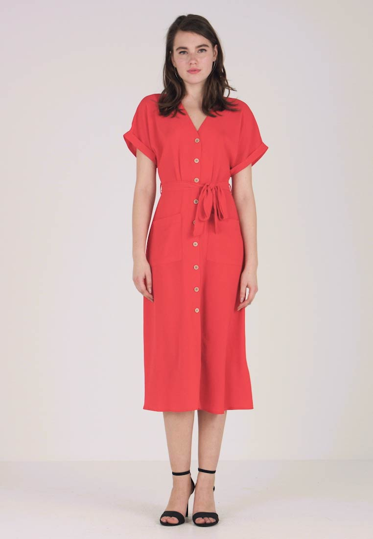 New Look - WOODEN - Robe chemise - red
