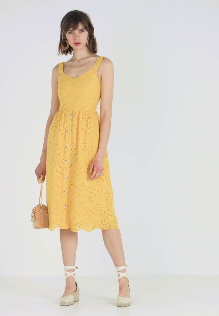 New Look - BRODERIE FRONT MIDI - Kjole - yellow spice