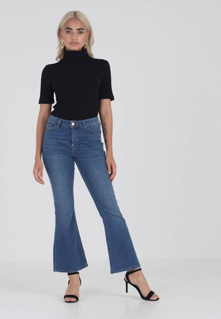 New Look Petite - Flared Jeans - mid blue