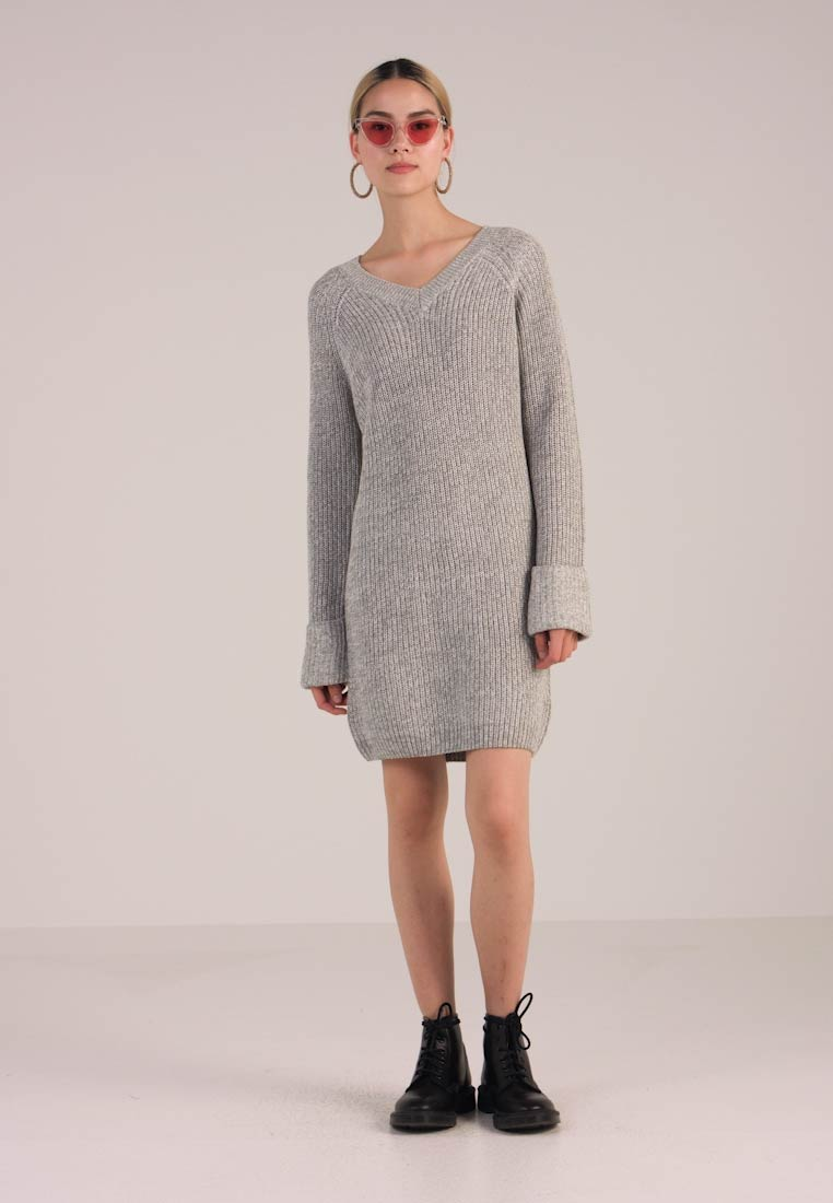 Noisy May NMSIESTA V NECK DRESS - Neulemekko - light grey melange -  Zalando.fi 61bb01f5e2