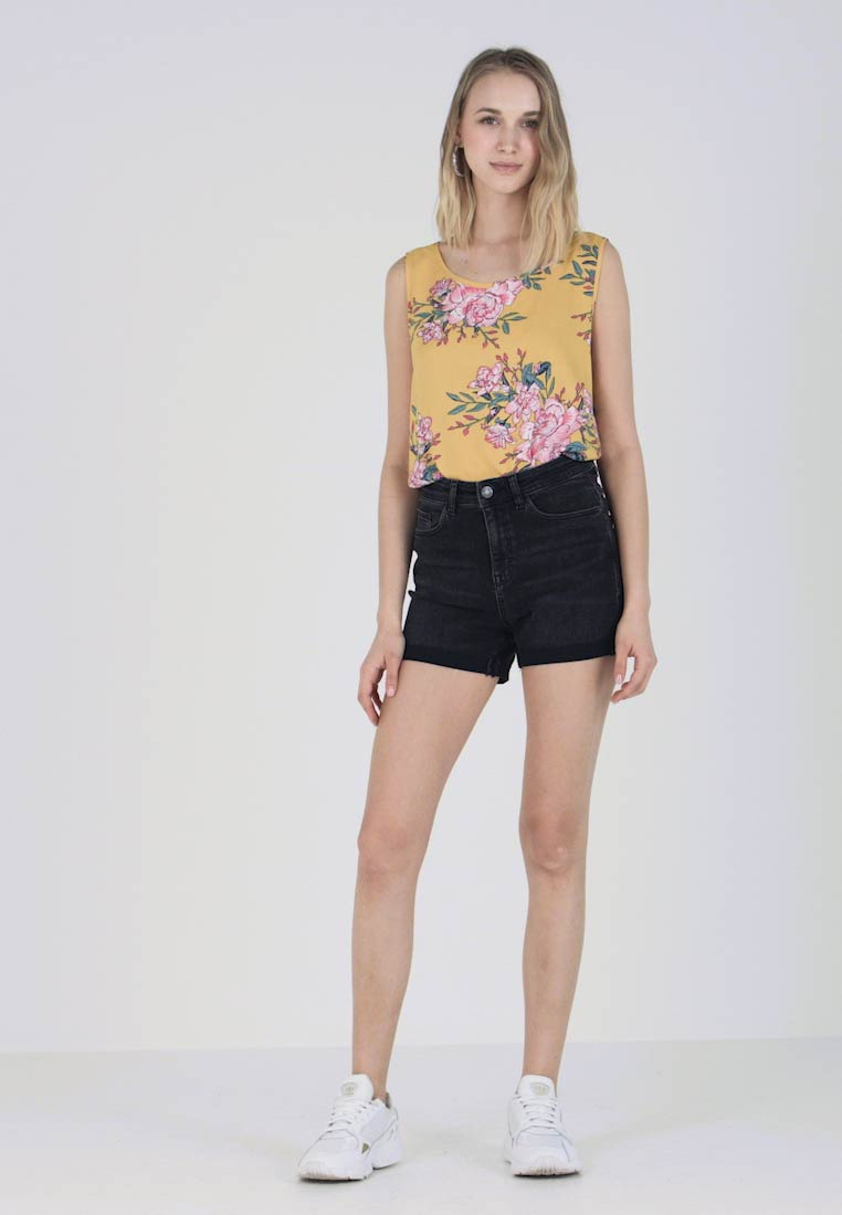 Noisy May - NMBE LEXI  - Jeans Shorts - black denim