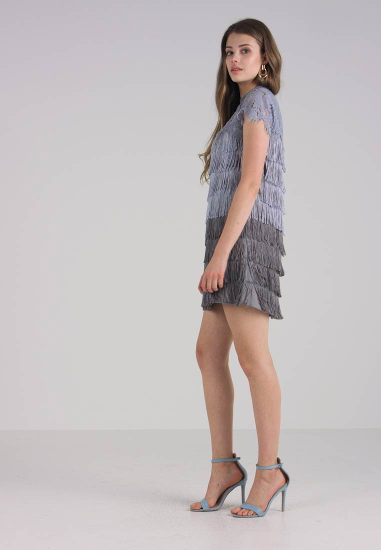 2fbb42f703 Oasis OMBRE FRINGE SHIFT DRESS - Sukienka koktajlowa - mid grey ...