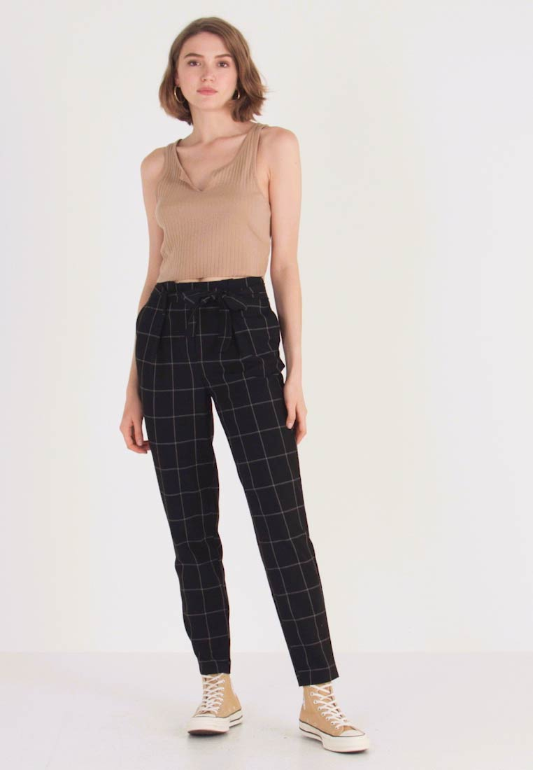 ONLY - ONLNICOLE PAPERBACK BELT CHECK PANT - Stoffhose - black