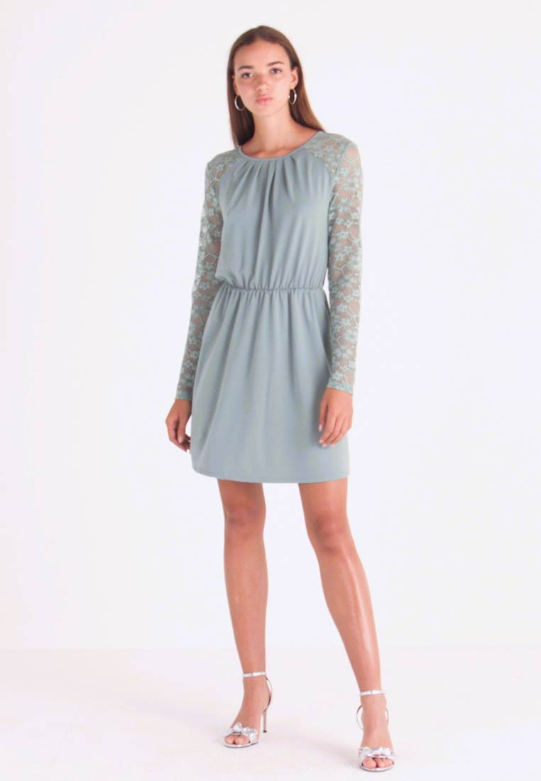 ONLY - ONLHANOVER O NECK DRESS - Jerseykleid - chinois green