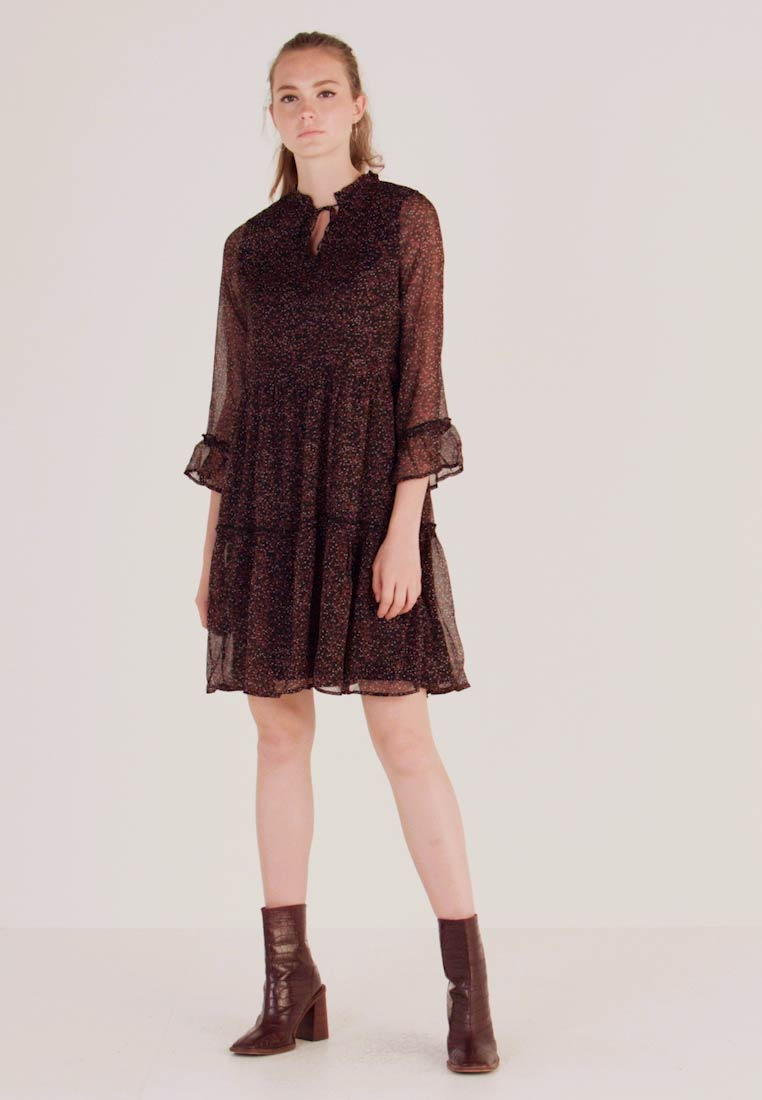 ONLY - ONYNIKOLINE KNEE DRESS - Hverdagskjoler - black