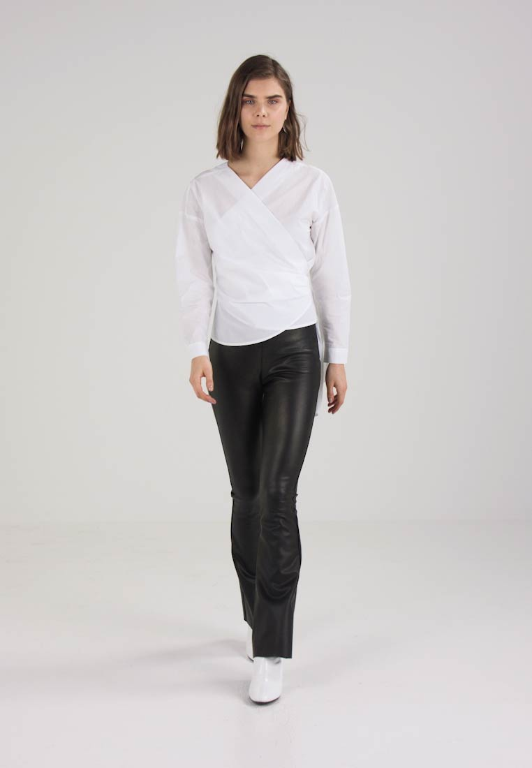 ONLY ONYHELEN WRAP - Blusa bright white