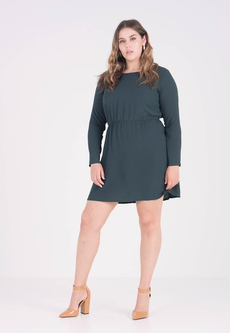 ONLY Carmakoma - CARLUX CECILIA DRESS SOLID - Korte jurk - green gables