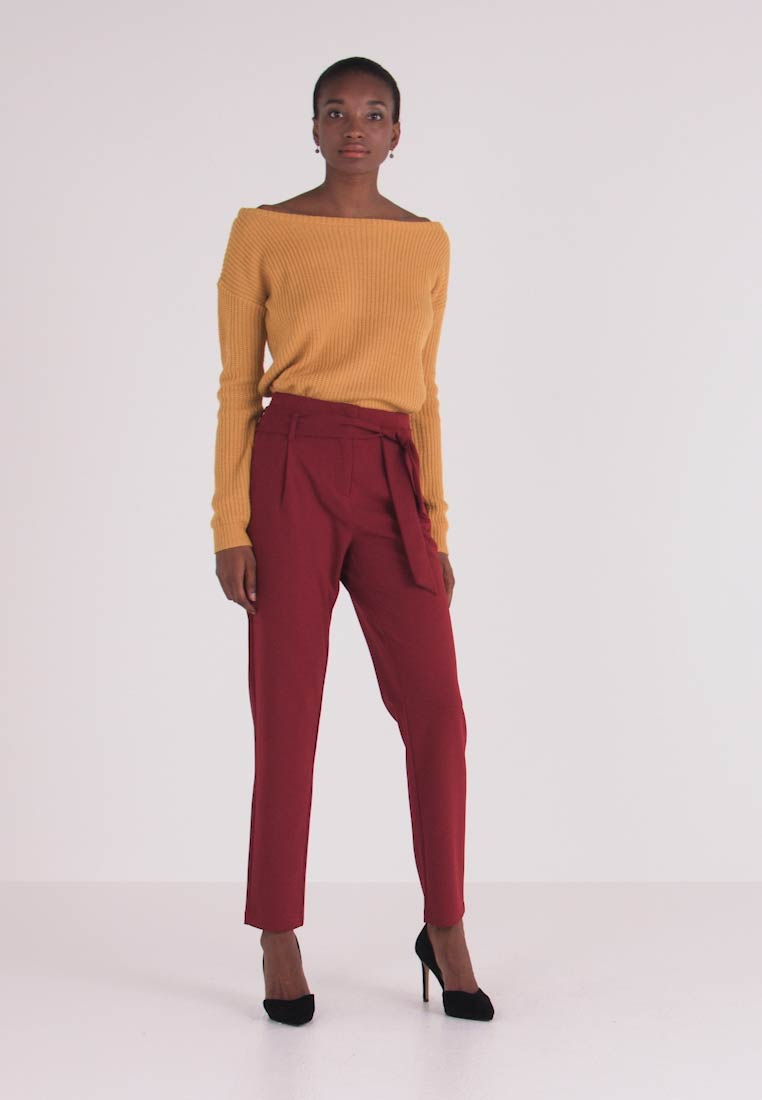 ONLY Tall - ONLCAROLINA BELT PANTS - Stoffhose - merlot