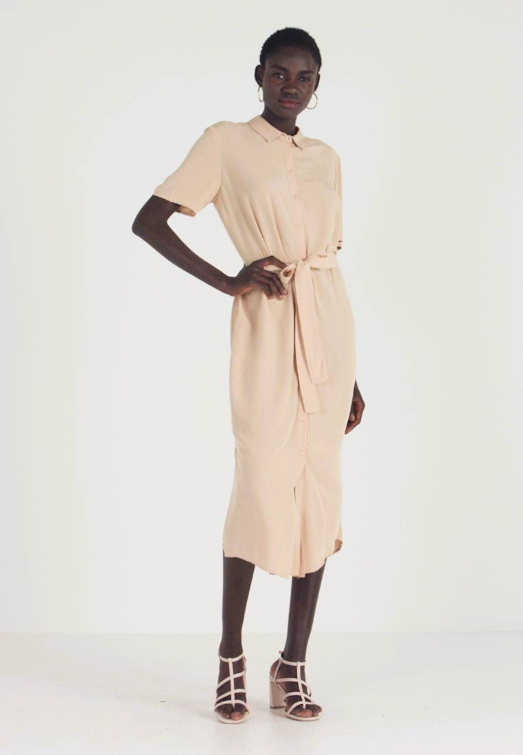 PIECES Tall - PCCECILIE DRESS - Blousejurk - warm sand