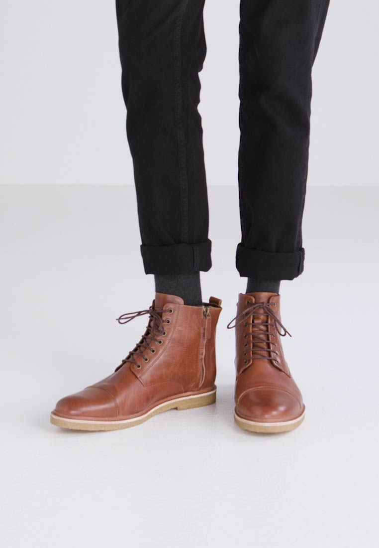 Royal RepubliQ CAST CREEP LEGIONER - Bottines à lacets marron clair
