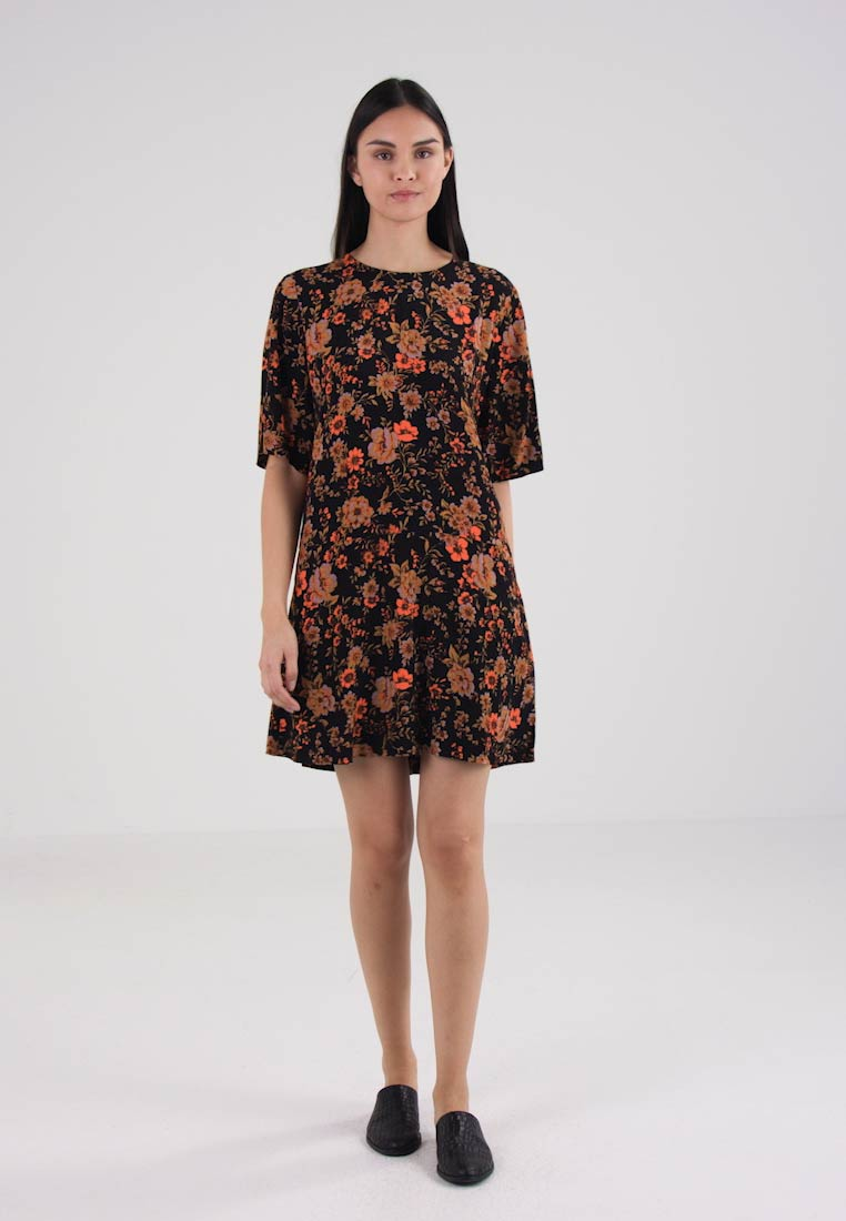 Day Bloom Adelaide amp; Black Dress Samsøe UtAxgXqwa6