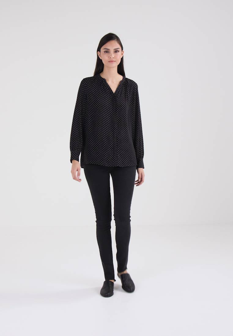 Selected Femme SLFDAMINA DOT LS SHIRT - Skjorte - black/snow white dots