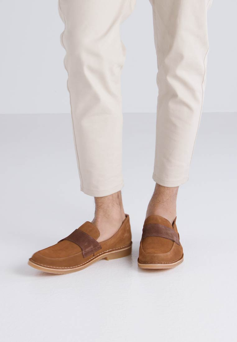 Selected Homme SHHROYCE LOAFER - Mocasines cognac