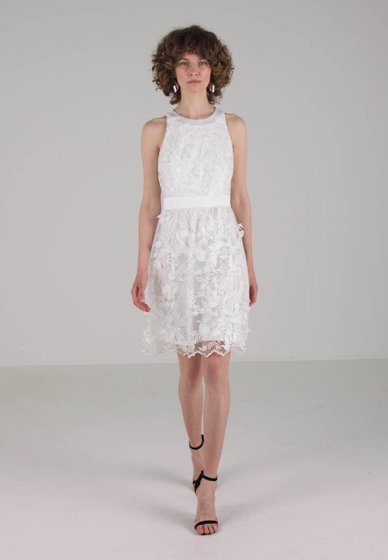 s.Oliver BLACK LABEL KURZ - Robe de soirée - coconut white