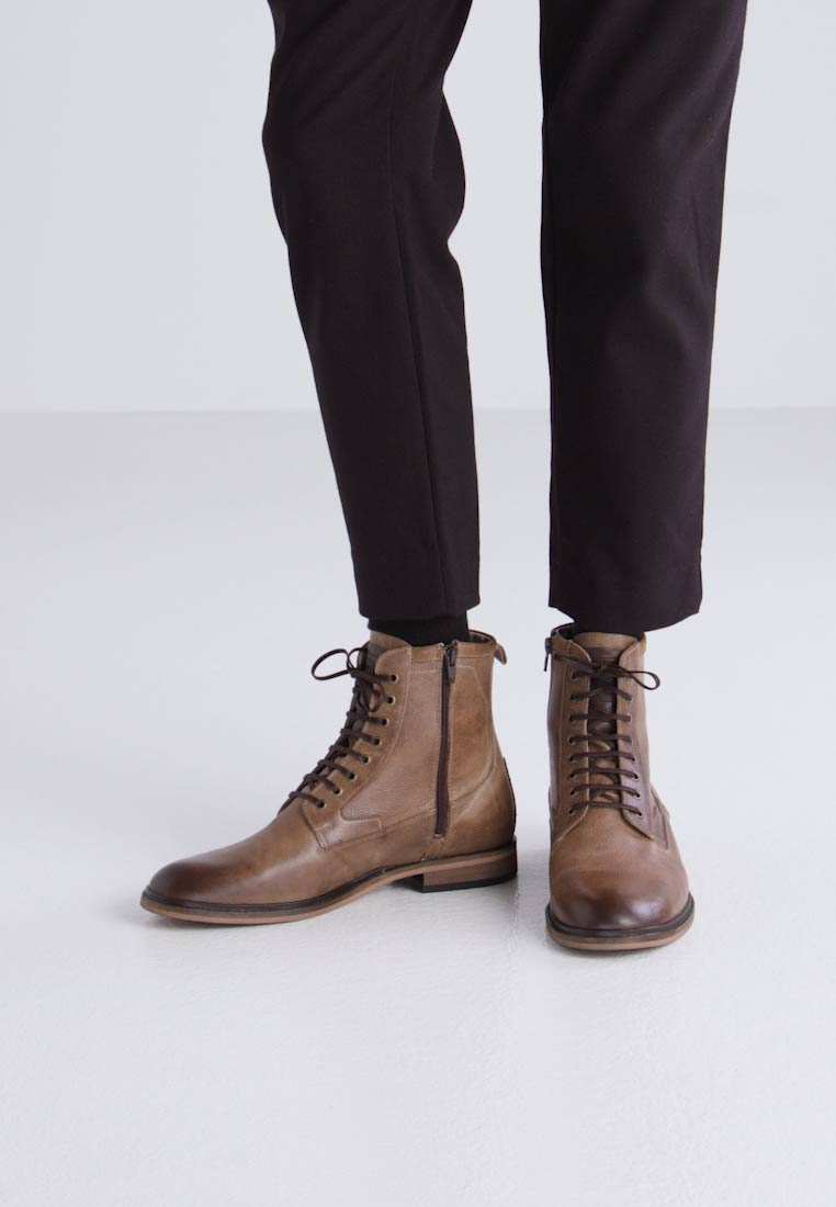 Sneaky Steve BEDROCK - Botines con cordones light brown