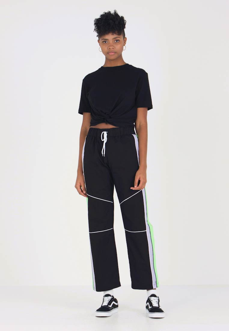 The Ragged Priest - PANELLED STRAIGHT LEG WITH ZIP - Jogginghose - black/multi