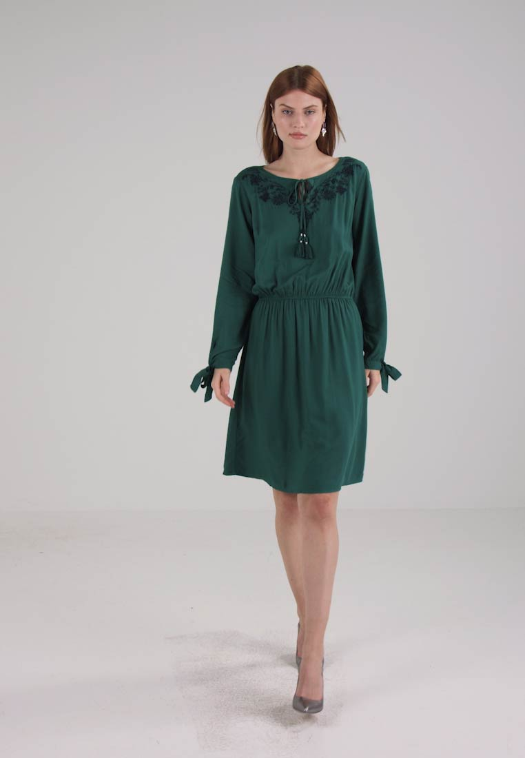 TOM TAILOR HIGHLIGHT EMBROIDERY DRESS - Korte jurk