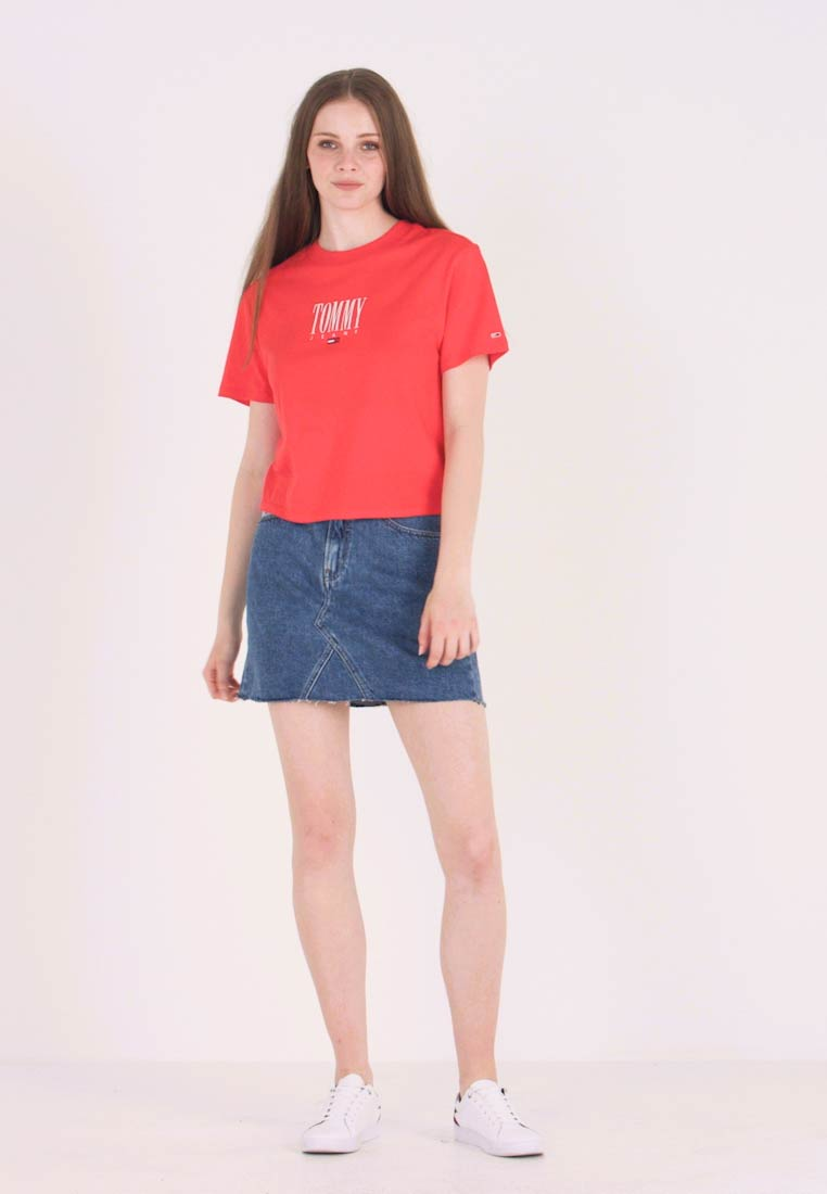 Tommy Jeans - EMBROIDERY GRAPHIC TEE - T-Shirt print - flame scarlet