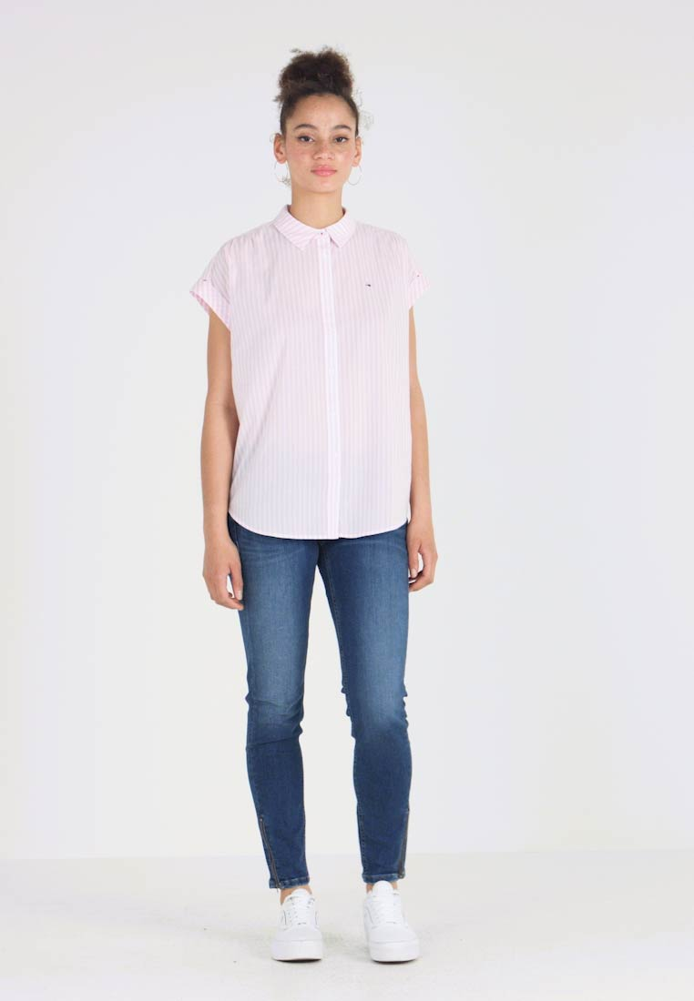 12eedaac6620f0 Tommy Jeans - ROLLED UP SLEEVELESS - Button-down blouse - lilac/classic  white