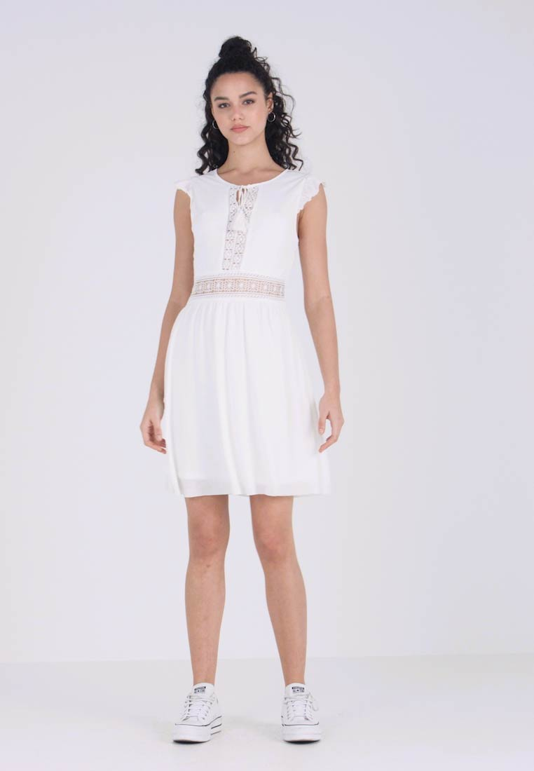 Vila - VIPETRA NEW DRESS - Vestido informal - cloud dancer