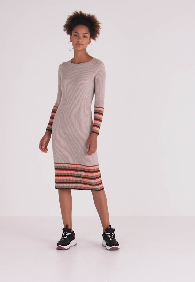 Vila - VIHELENI STRIPE DRESS - Strickkleid - natural melange/toffee