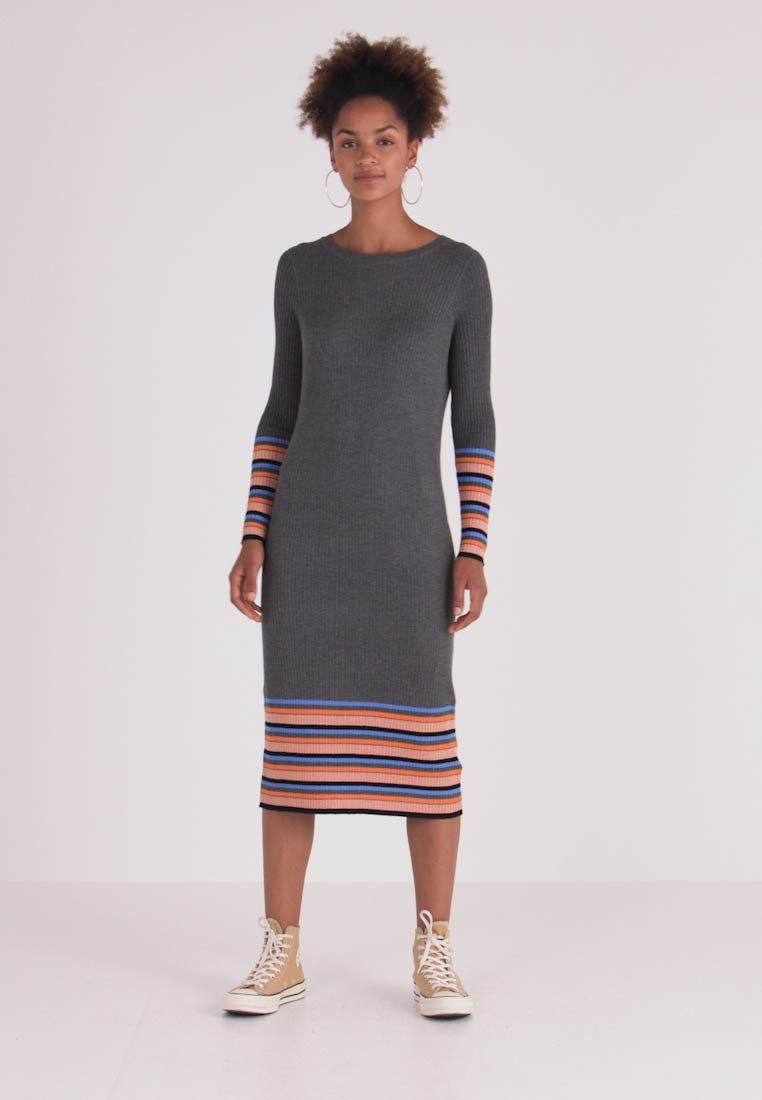 Vila - VIHELENI STRIPE DRESS - Strickkleid - medium grey melange/ultramarine