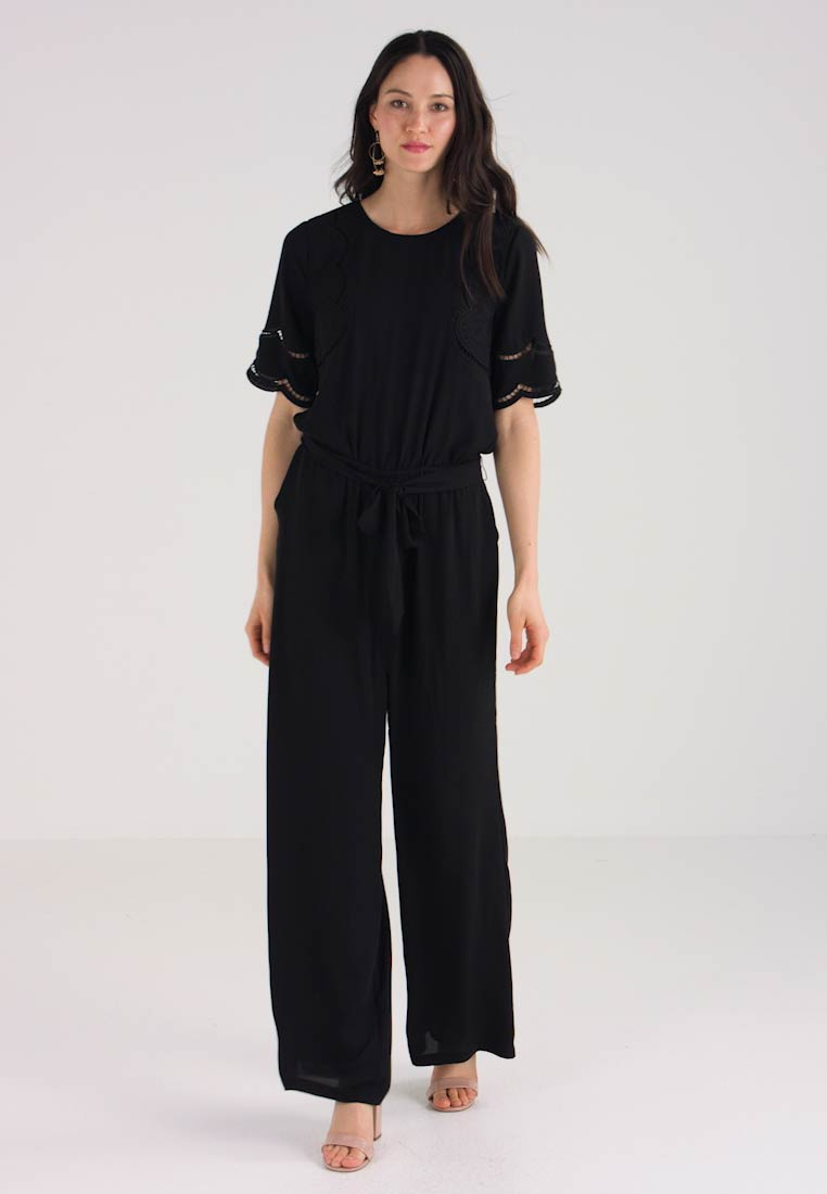 Belted Black Rich Embroidered Jumpsuit Camuto Vince E71WRqgg