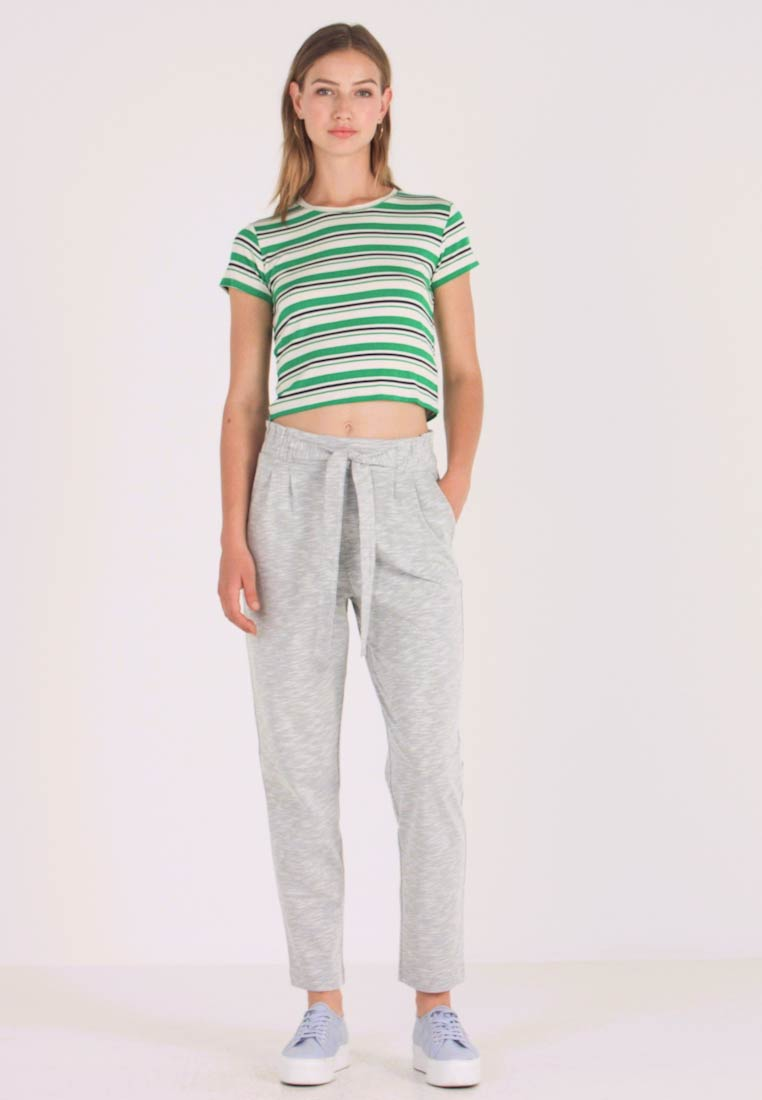 Vero Moda - VMDATCA BUCKET PANTS - Jogginghose - medium grey melange