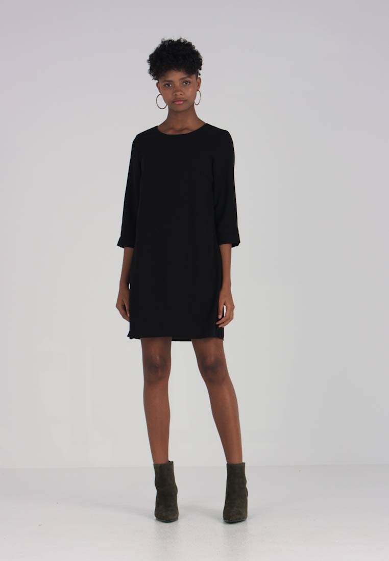 Vero Moda - VMGABBY 3/4 SHORT SOLID DRESS  - Korte jurk - black