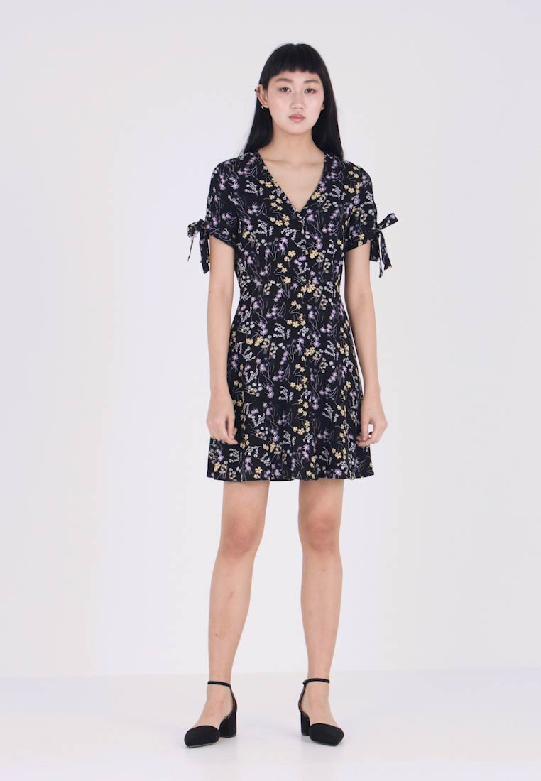 Vero Moda - VMLOTUS SHORT DRESS - Shirt dress - black