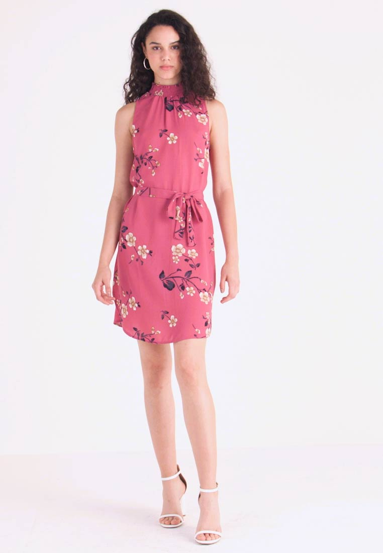Vero Moda - VMCALLIE SMOCK DRESS - Freizeitkleid - rose wine