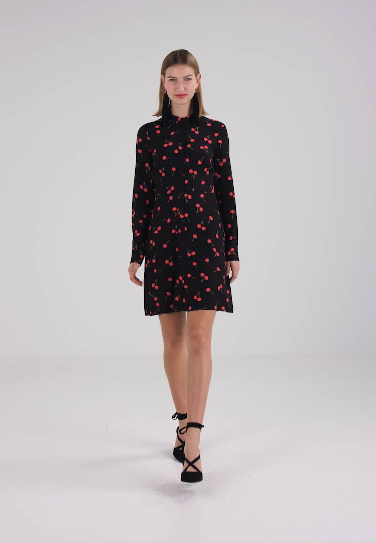 Warehouse CHERRY PRINT SHIRT DRESS - Blousejurk