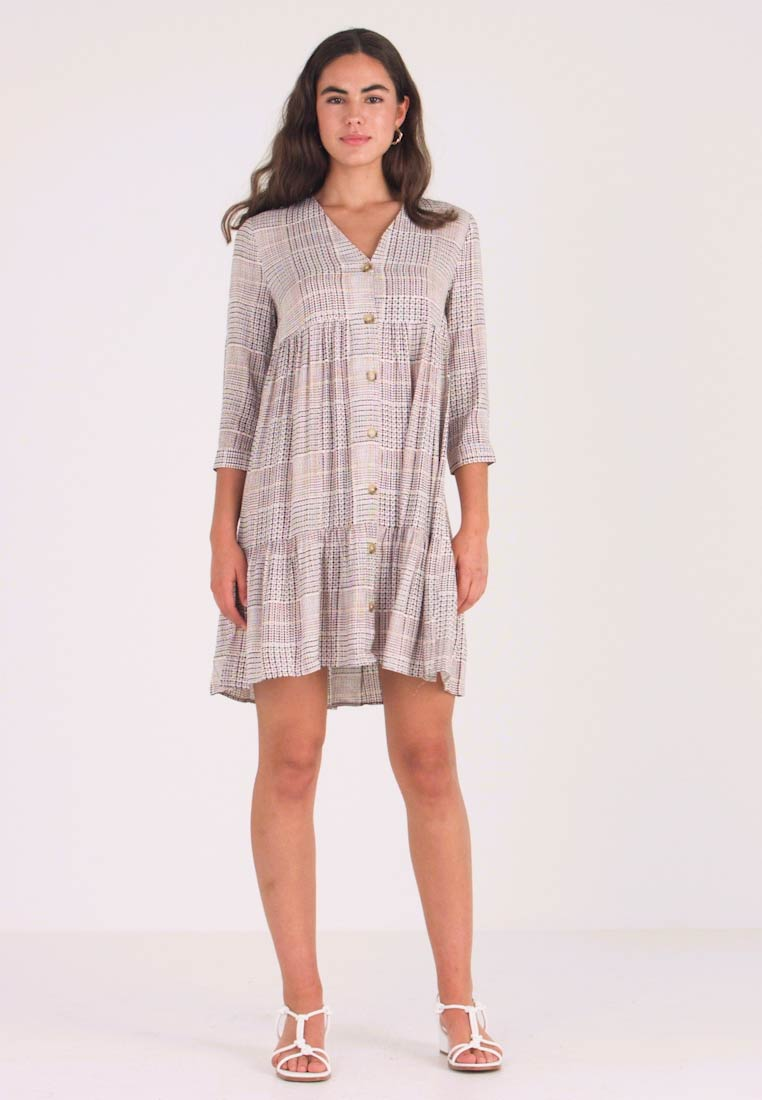 Warehouse - SABLE CHECK TIERED BUTTON FRONT MINI DRESS - Shirt dress - offwhite/cognac