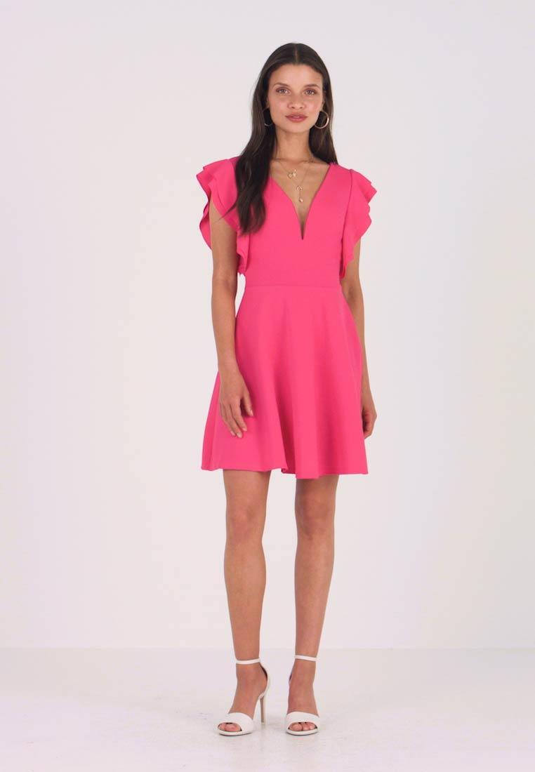 WAL G PETITE - EXCLUSIVE V NECK FRILL SLEEVE MINI DRESS - Jerseykleid - bright pink