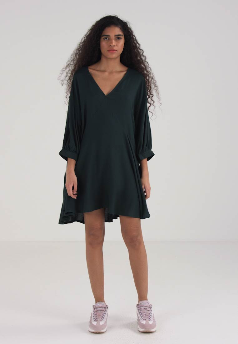Solid Rave Day Dress Weekday Green f4qSwxw