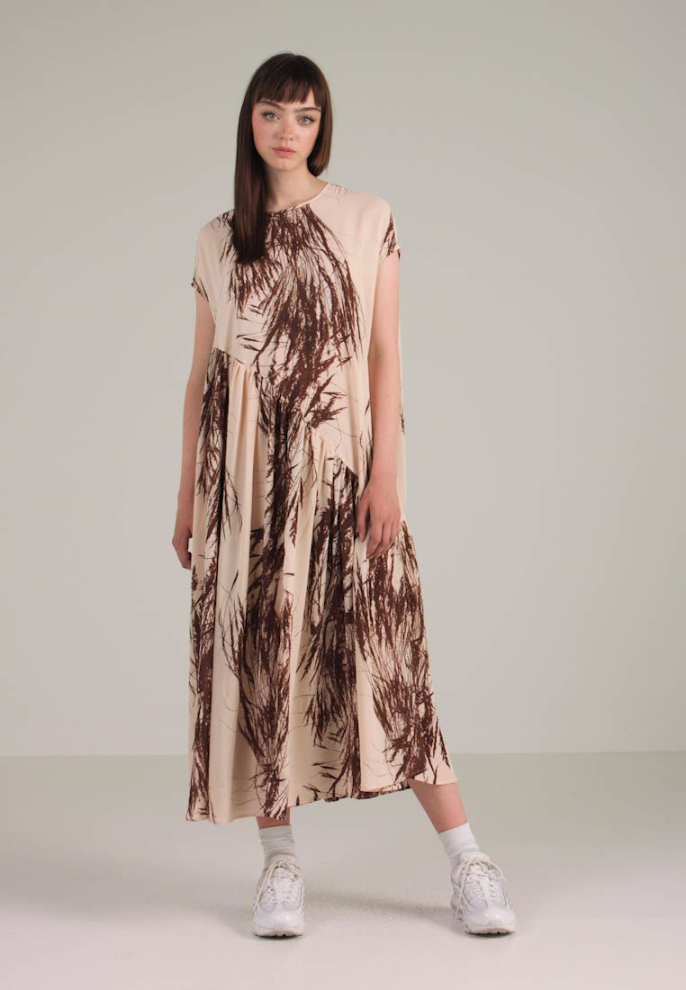 brown Dress Sand Weekday Syntax Maxi pqzwHxI0w