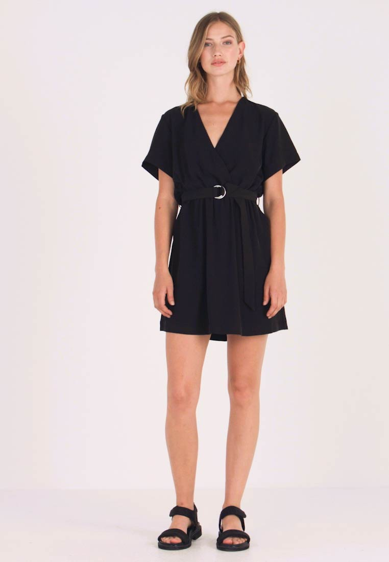 fd73ad83975f Weekday JESS DRESS - Freizeitkleid - black - Zalando.de