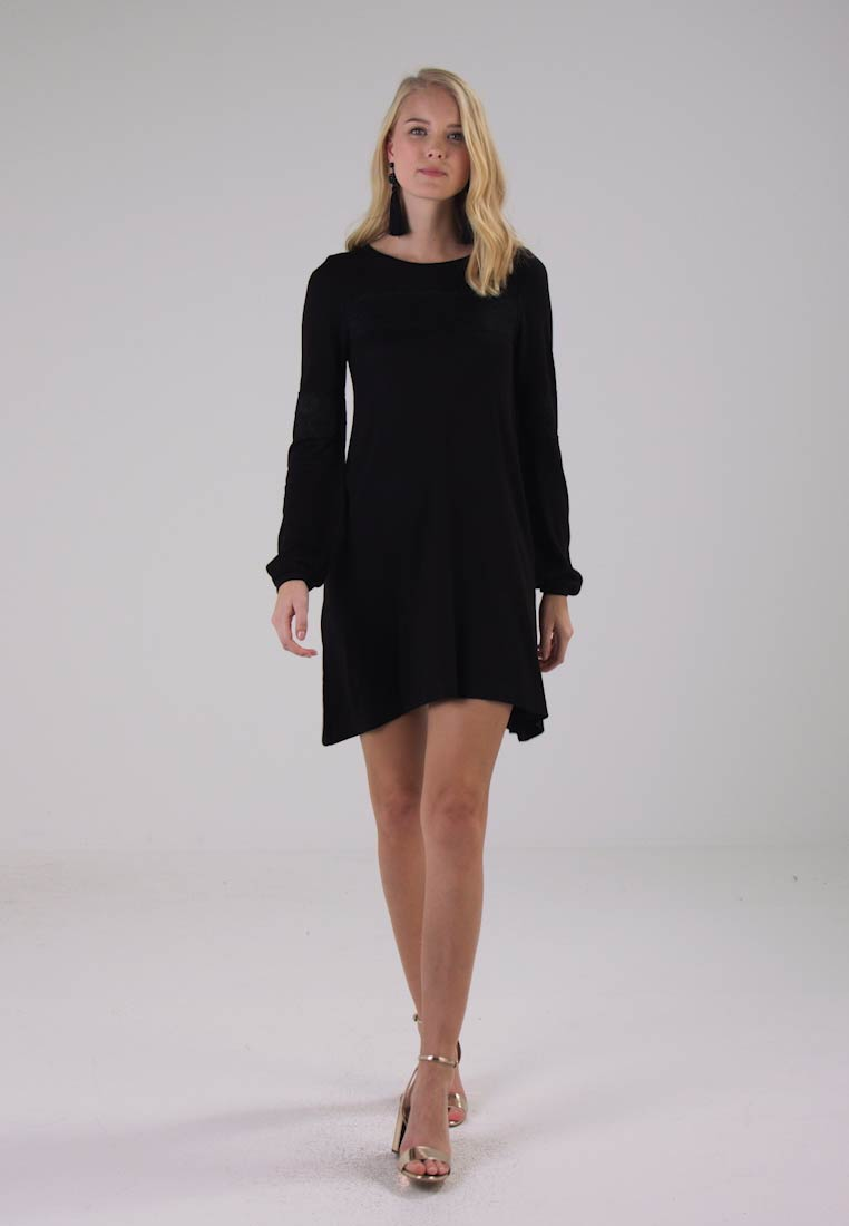 Wallis DETAIL - Robe pull noir