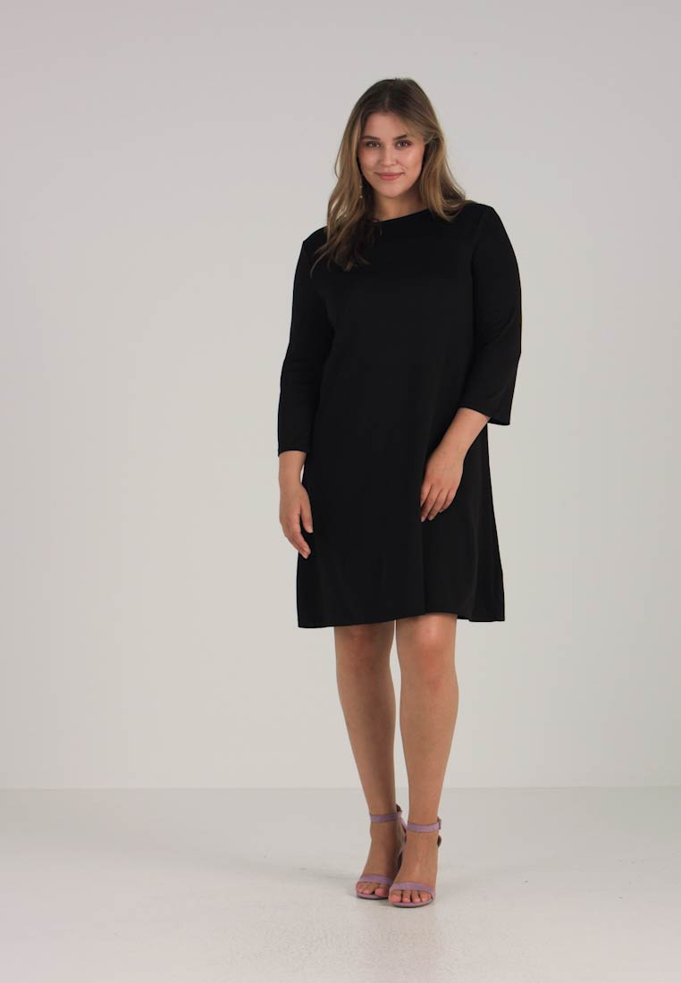 Black Essentials Dress Day Curvy Zalando 6UqRIP